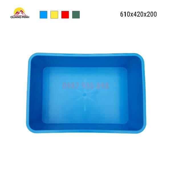 thung-nhua-dac-b1-song-bit-xanh-610x420x200