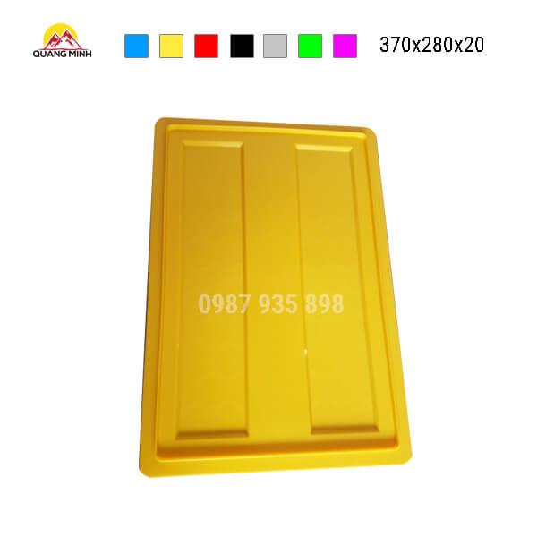nap-thung-nhua-b7-mau-vang-370x280x20