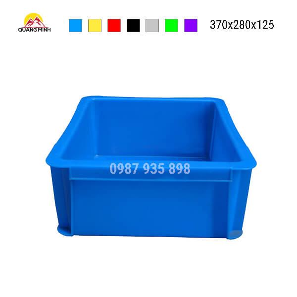 thung-nhua-dac-b7-song-bit-mau-xanh(1)-370x280x125