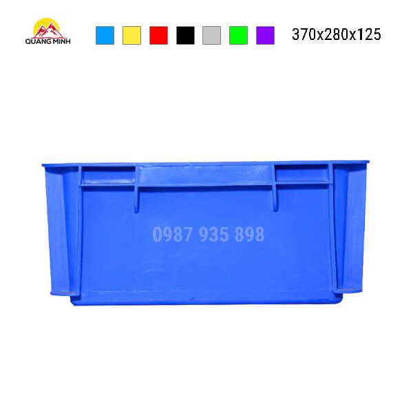 thung-nhua-dac-b7-song-bit-mau-xanh(7)-370x280x125
