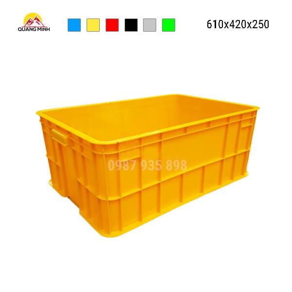 thung-nhua-dac-hs017sb-song-bit-mau-vang-610x420x250