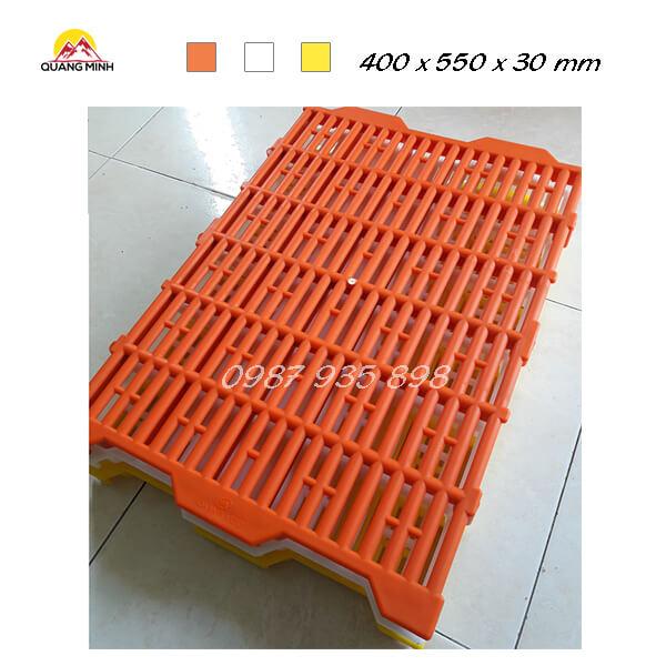 tam-nhua-lot-san-chuong-heo-400x550-mm (8)