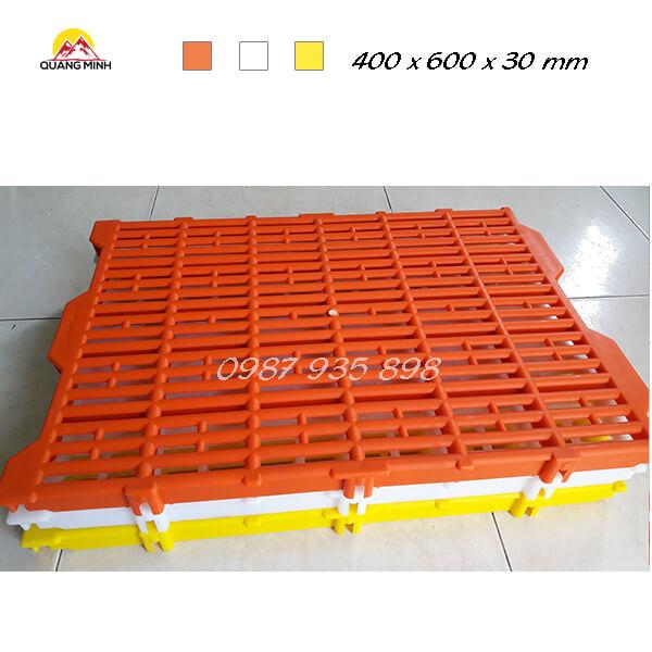 tam-nhua-lot-san-chuong-heo-400x600-mm (3)