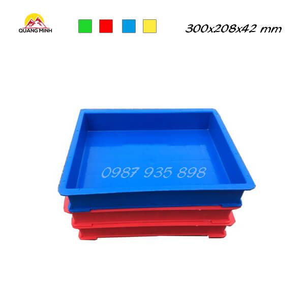 thung-nhua-dac-qm006-sb-300x208x42-mm (1)