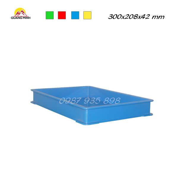 thung-nhua-dac-qm006-sb-300x208x42-mm (2)